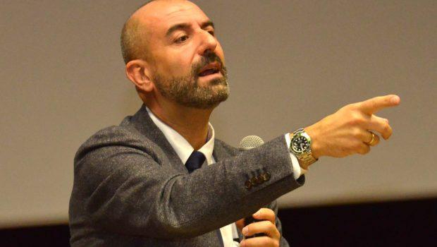Lunedì 6 marzo nel primo incontro del progetto Quattro ruote per la sicurezza, davanti a 300 studenti, insegnanti e autorità, l'ex pilota Ivan Capelli, ora Presidente dell'AC Milano e VicePresidente […]