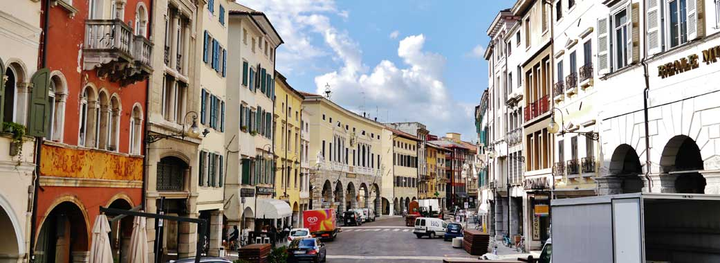 Via Mercato Vecchio a Udine